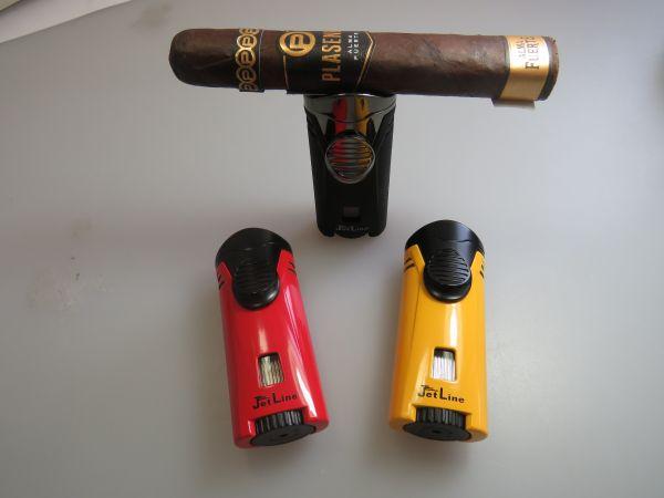 Jetline Zigarrenfeuerzeug Bugle mit Zigarrenablage Farbe rot